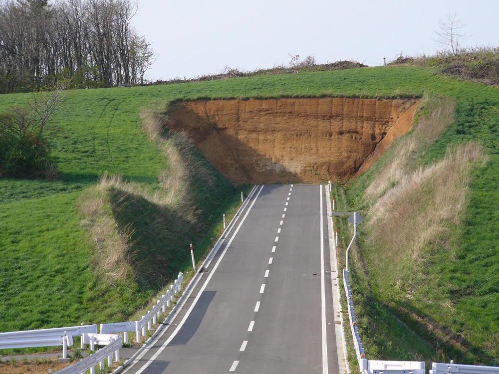 deadend_road_hill