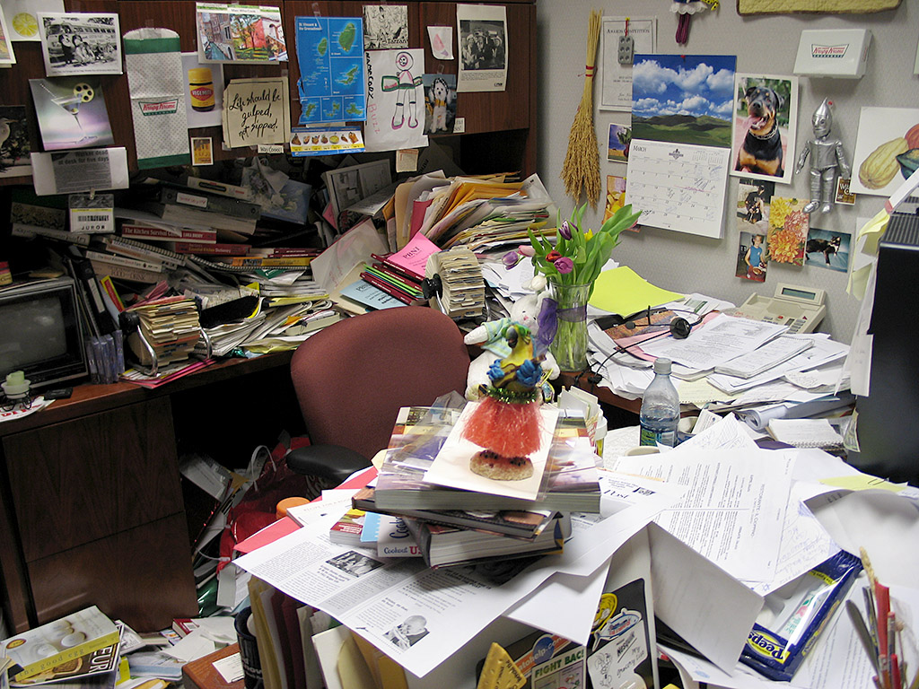 office-messy-desk